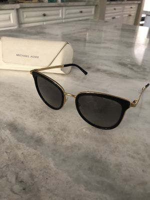Michael Kors Women's sunglasses for Sale in San Marcos, CA