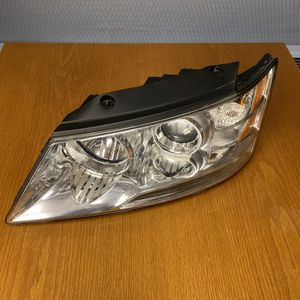 2009 2010 Hyundai Sonota Left LH Passenger Headlight OEM 09 10 w/ Bulbs for Sale in New Britain, CT