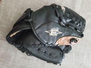 "12"" Easton baseball glove broken in for Sale in Norwalk, CA"