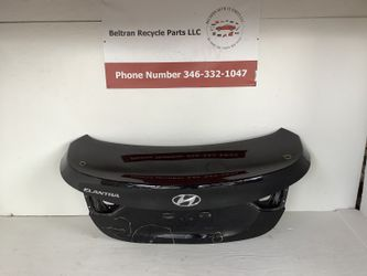 2014 2016 Hyundai Elantra trunk for Sale in Houston,  TX