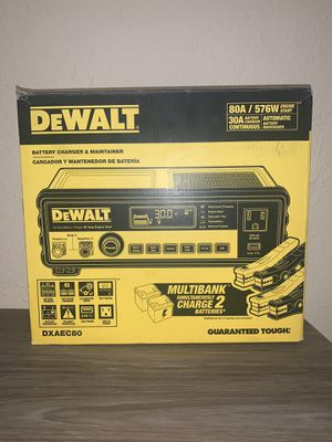 NEW DEWALT BATTERY CHARGER & MAINTAINER for Sale in Dallas, TX