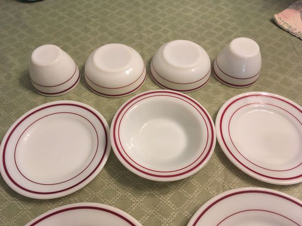 Lot of 9 Pyrex Burgundy Double Striped Bowls And Plates.