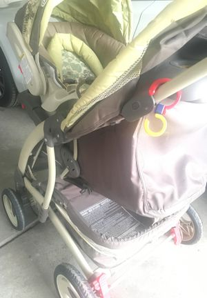 Stroller with car seat and car base by Graco for Sale in Orchard Lake Village, MI