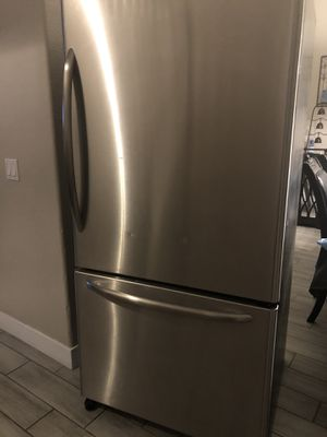 Refrigerator- stainless steel for Sale in Las Vegas, NV
