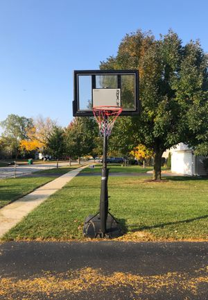 Portable Basketball stand/hoop for Sale in Plainfield, IL