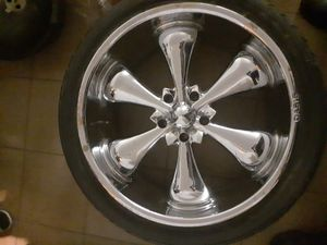 24 inch oasis rims not perfect but they still look good three good tires $225 firm first come first serve for Sale in Round Mountain, NV