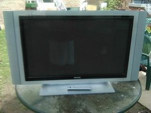 Phillips 42 inch TV with remote control and HDMI port for Sale in Washington, DC