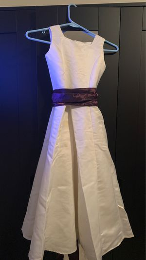 Flower girl dress size 10 removable sash for Sale in Hialeah, FL