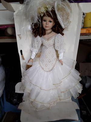 Bonita muñeca de porcelana nueva for Sale in Mercedes, TX
