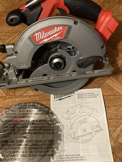 """Milwaukee. M18 FUEL Lithium Ion 6-1/2"""" Brushless Cordless Circular Saw (Tool Only). 2730-20. for Sale in Brooklyn,  NY"""