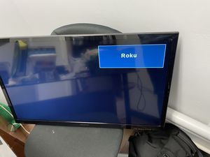 """32"""" Insignia LED TV with built in DVD player for Sale in Charlotte, NC"""