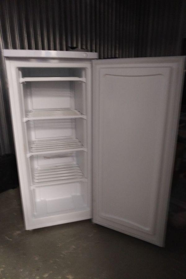 Kenmore 29502 5.1 cu. ft. Upright Freezer