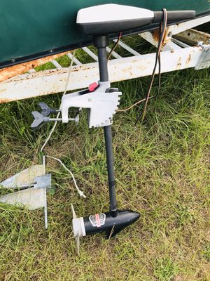 29 pound thrust trolling motor for Sale in Anderson, SC