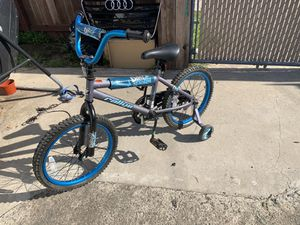 Kids bicycle with training wheels for Sale in San Diego, CA
