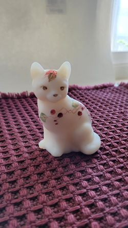 Fenton Glass Satin Custard Cat CASH for Sale in Citrus Heights, CA