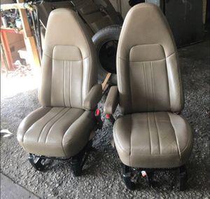 Chevy express van le queda 1997 asta 2017 for Sale in Dallas, TX