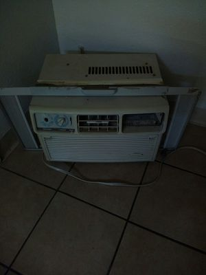 Window AC unit 5000 bu for Sale in Fresno, CA
