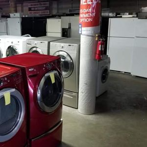 Blow out sales like new appliances 90 days free warranty store address 21639 pacific hwy S Des moines wa 98198🍒 for Sale in Des Moines, WA