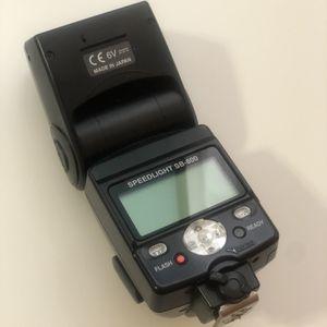 Nikon SB-800 speedlight flash for Nikon digital SLR cameras for Sale in Palatine, IL
