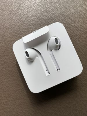 Apple earbuds for new iPhones with lightning connection for Sale in Redmond, WA