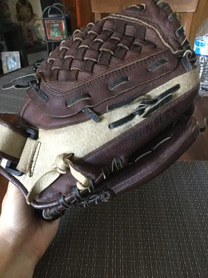 Women's Baseball Glove for Sale in Canby, OR