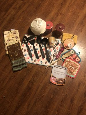 Kitchen wares set coffee themed all pieces pictured included for Sale in Dry Prong, LA