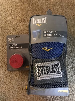 Everlast boxing pro style training gloves 16oz for Sale in North Miami, FL