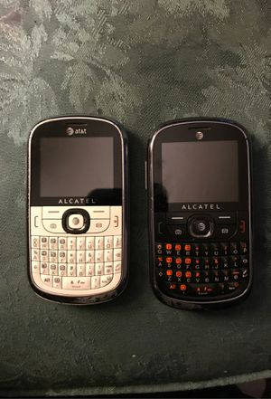 2 blackberry at&t cell phones for sale for Sale in Brainerd, MN