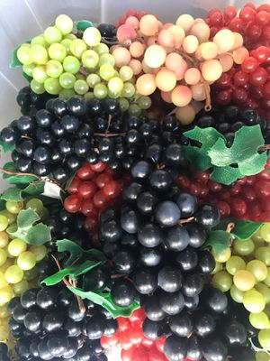 20 Bundles of Decorative Grapes for Sale in Jurupa Valley, CA
