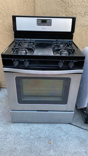 Full Kitchen Set - Stove, microwave, dishwasher and refrigerator for Sale in Long Beach, CA
