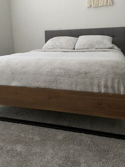 Modern Queen Bed Frame for Sale in Dallas, TX