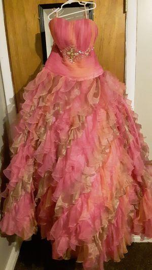 Quinceañera dress and 2 dama dresses for Sale in West Valley City, UT
