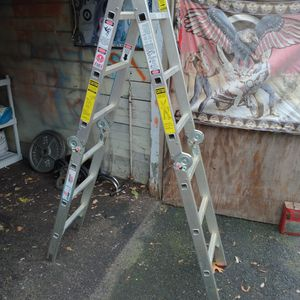 12 FT Foldable Ladder for Sale in Vernon, CT