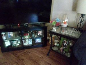 Set of 2, black and glass end tables for Sale in Malvern, AR