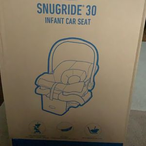 Graco Baby Infant Car Seat Brand New for Sale in Monroeville, PA
