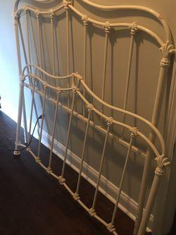 Full Size Queen Anne Iron Head Board and Foot board for Sale in Atlanta,  GA