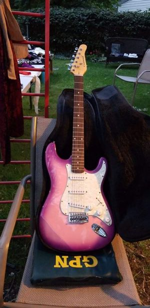 Crestwood 6 string Guitar purple to pink color hardly used for Sale in Detroit, MI
