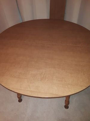 42 inch Round Formica top dining table for Sale in Oceanside, CA