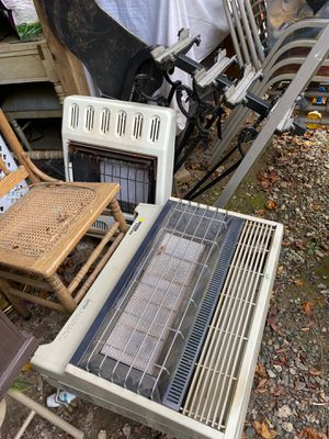 2 propane gas heaters for Sale in Cohutta, GA