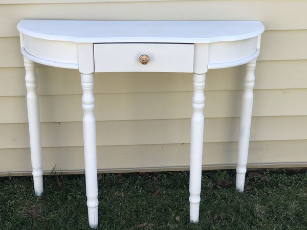 Entry way table white and gold