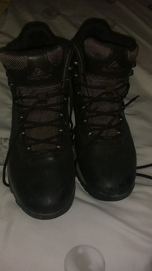Ozark water resistant work boots Size 9 only used once for Sale in Las Vegas, NV