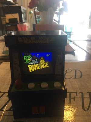 Rampage Arcade Cabinet working w/ batteries for Sale in Freeport, PA