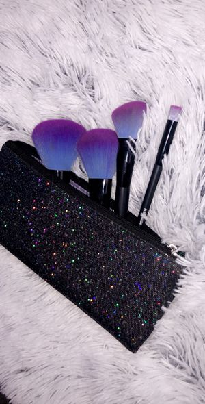 Makeup bag and set of brushes for Sale in Victorville, CA