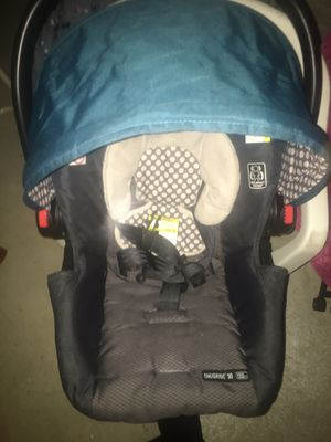 Car seat for Sale in Massillon, OH