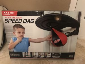 Over the door speed bag for kids! for Sale in Golden Oak, FL