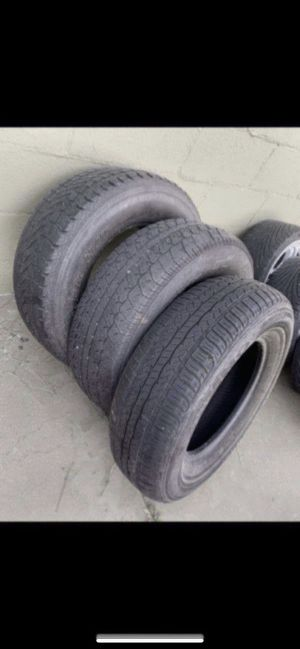 3 Kumho tires P225/70 R15 for Sale in Los Angeles, CA
