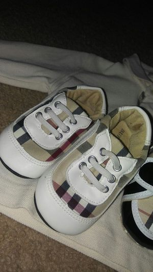 Authentic Burberry shoes worn twice for Sale in Pittsburgh, PA