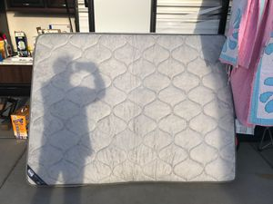 Queen size travel trailer mattress for Sale in Oroville, CA