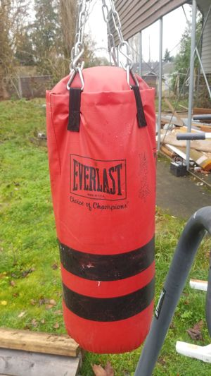 Everlast punching bag for Sale in Seattle, WA