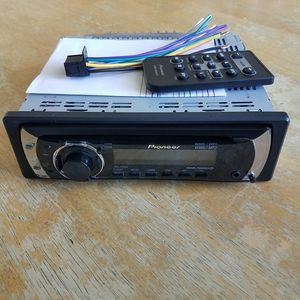 Pioneer DEH-2100IB AM/FM CD Stereo w/Remote Excellent for Sale in Montclair, CA
